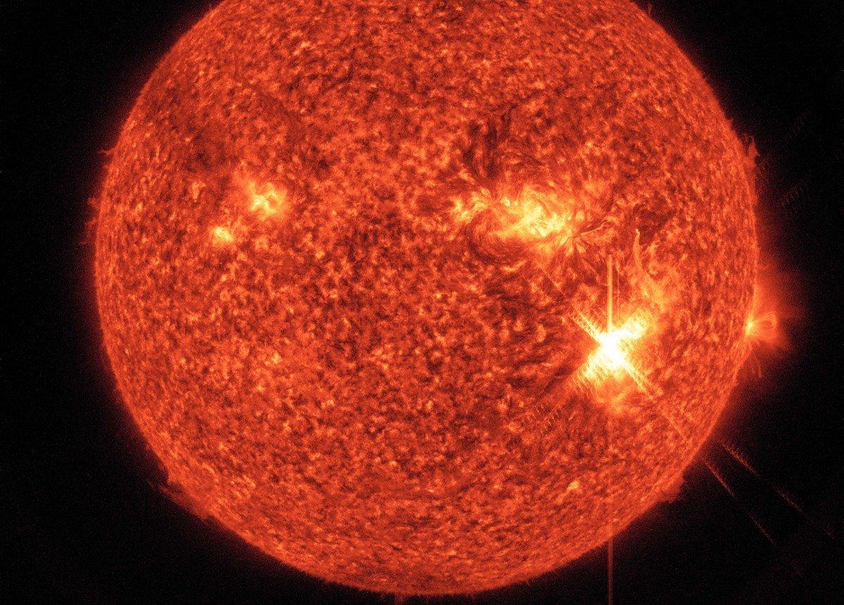 Вспышка на Солнце привела уже к некоторым последствиям / фото naked-science.ru
