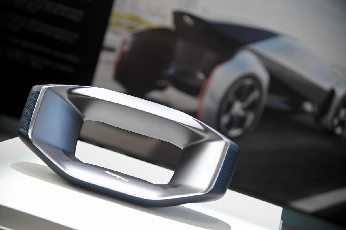 Знімний кермо концепту Jaguar Future-Type / REUTERS