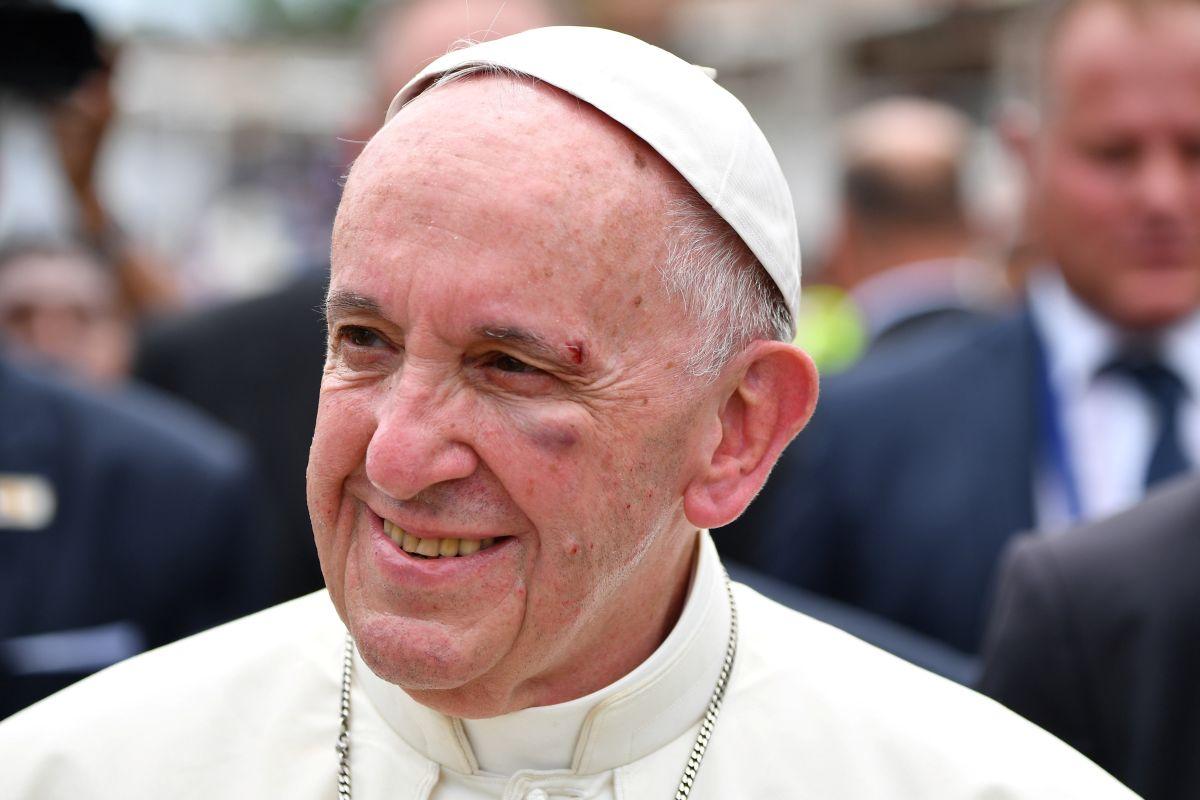 Папа Римський назвав фейкові новини