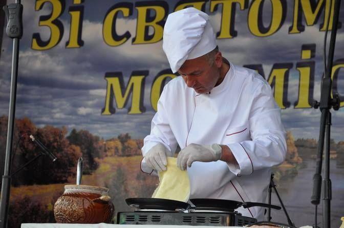 Це вже другий Відкритий фестиваль млинця у місті / фото oda.zt.gov.ua