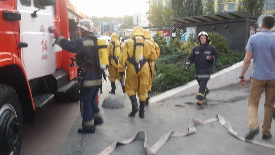 Пожарные на Контрактовой / УНИАН
