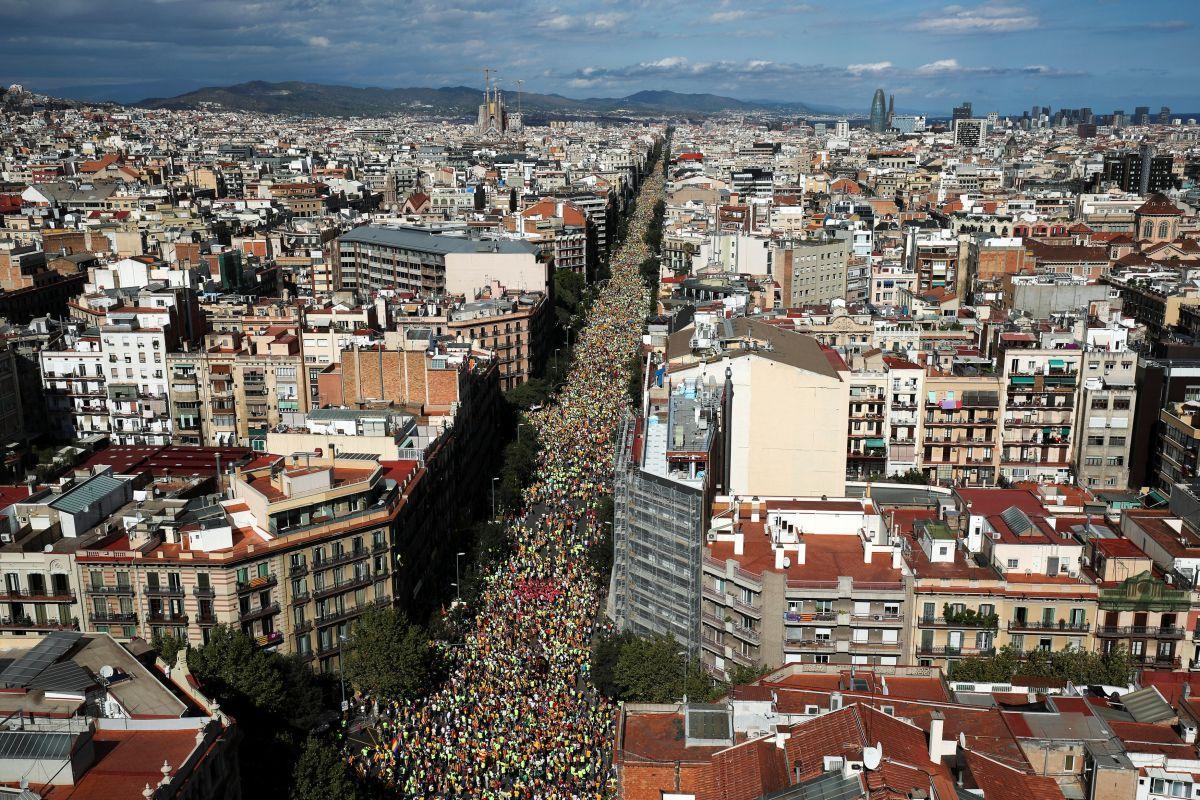Участники акции в Барселоне / REUTERS