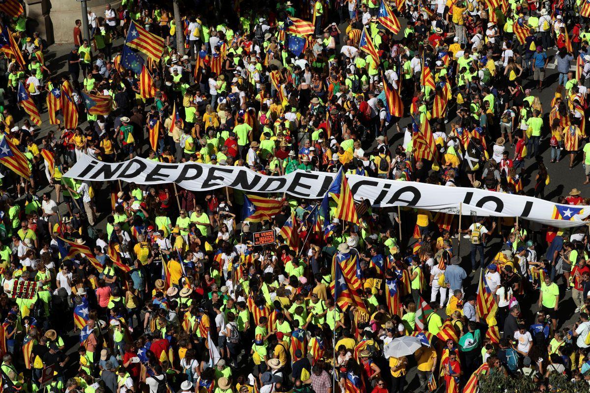 Каталонцы требуют независимости / REUTERS