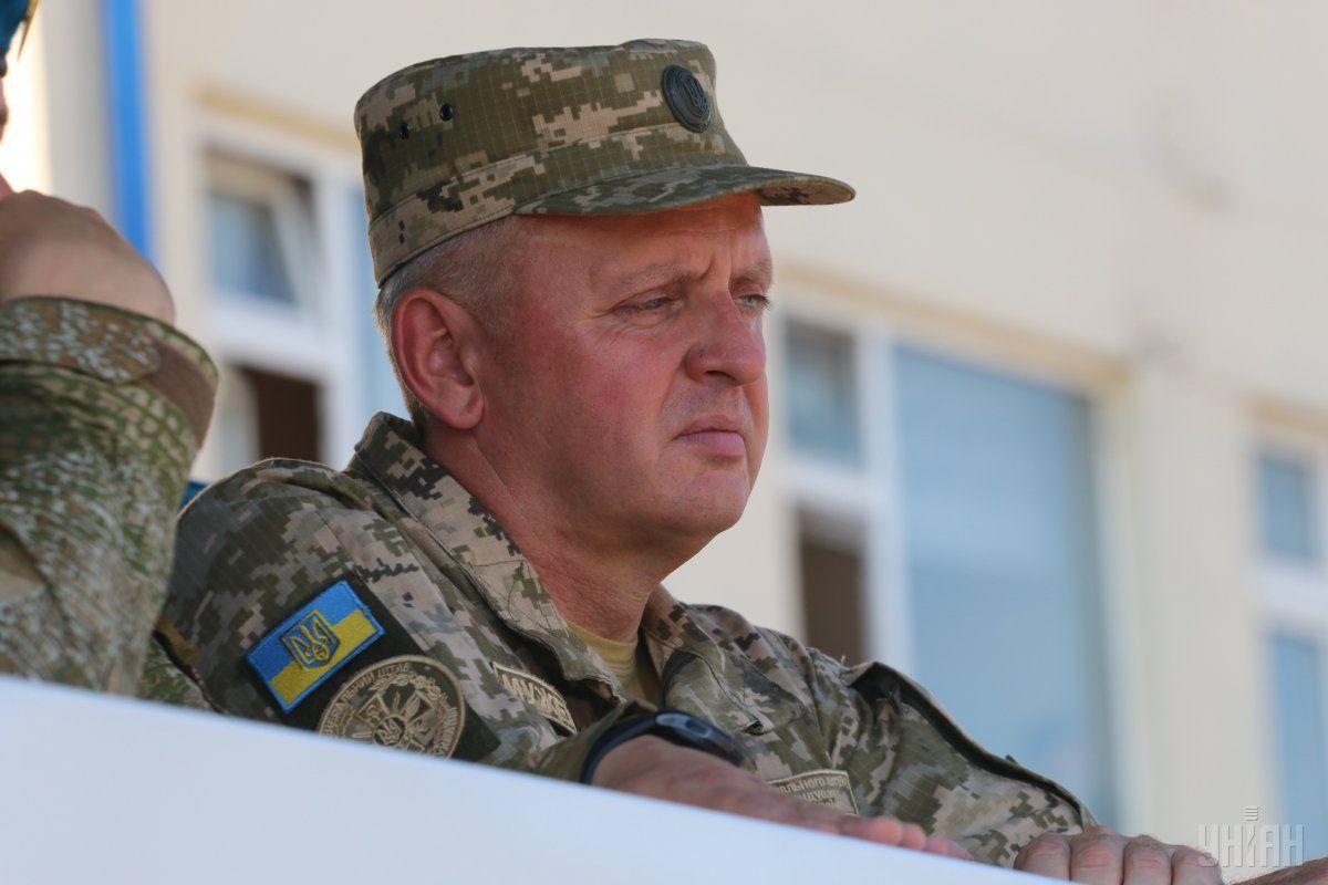 Муженко розповів, як у 2014-му українські війська спалили на Донбасі колону російської техніки / фото УНІАН