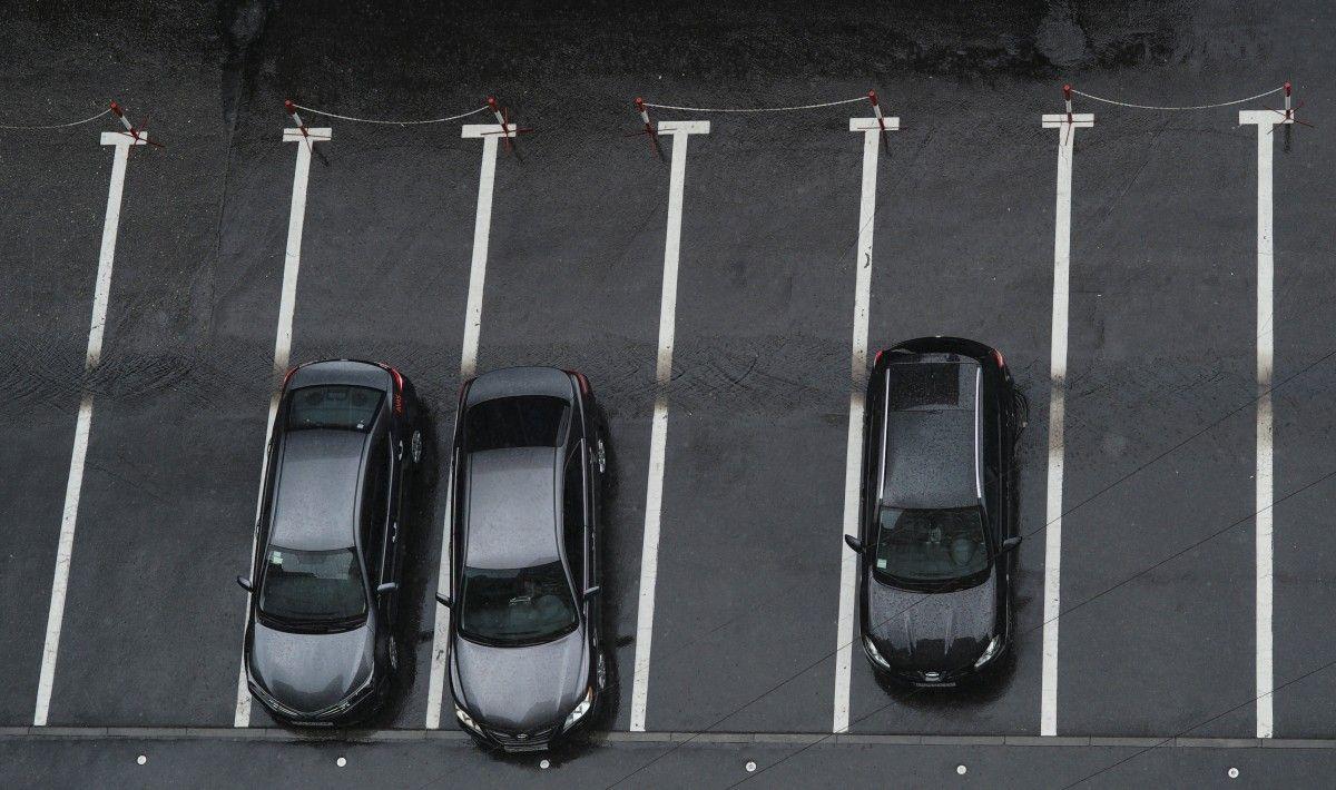 Киев и Абу-Даби договорились о взаимном признании водительских прав / Иллюстрация REUTERS