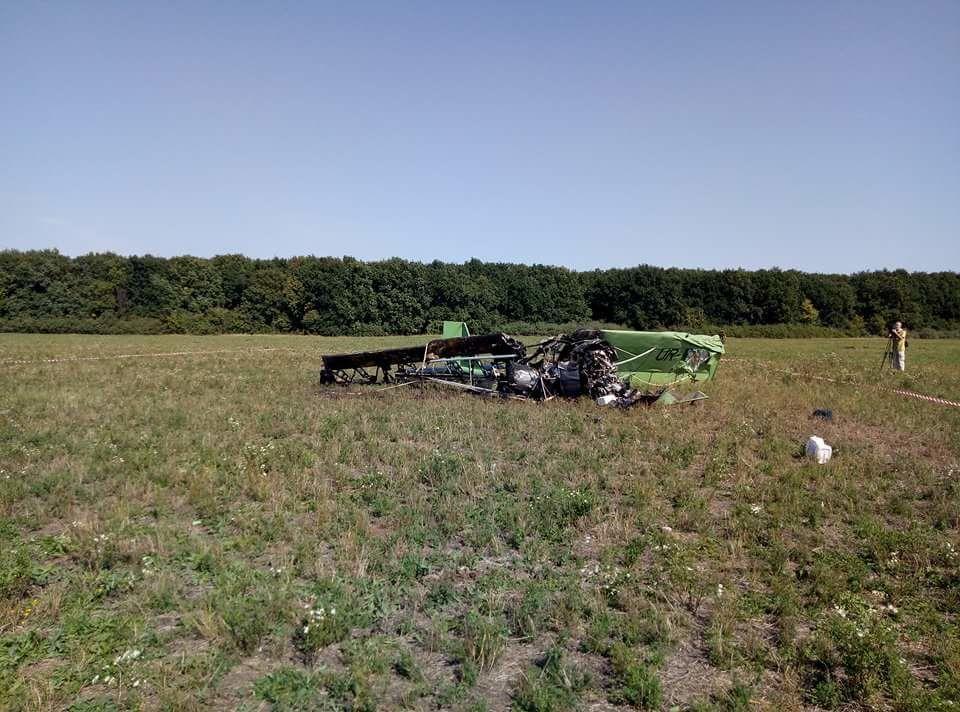 Причини падіння машини з'ясовуються / фото tsn.ua