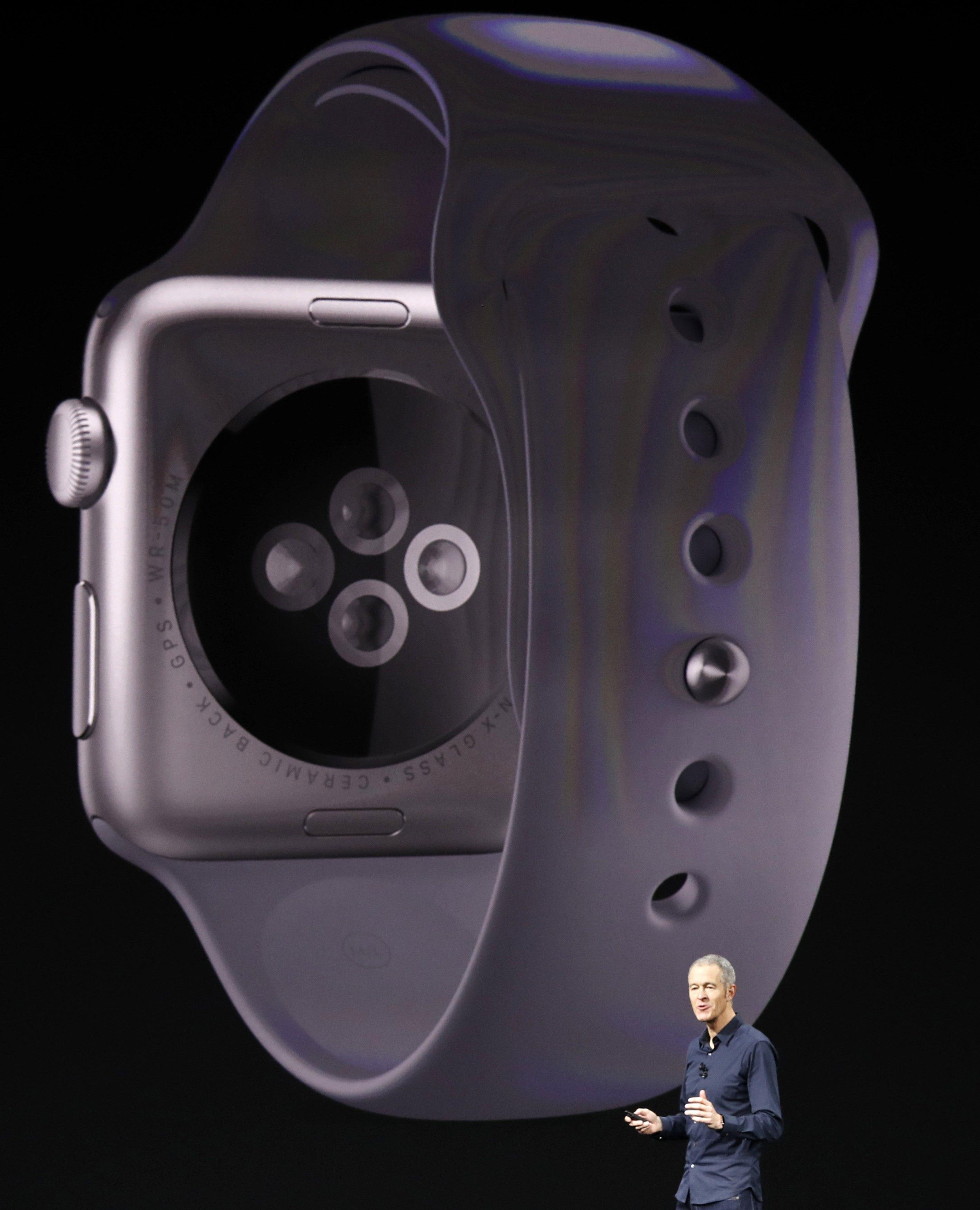 Apple Watch Series 3  / REUTERS