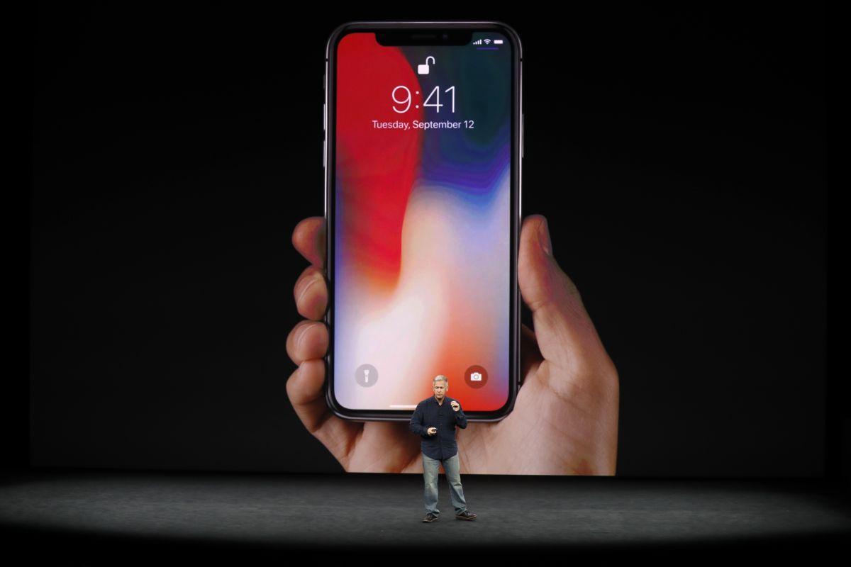 Продажі смартфона iPhone X припиняються \ фото t3.com