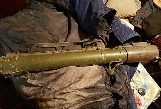 Співробітники вибухотехнічної служби направили зброю на експертизу / фото dp.npu.gov.ua