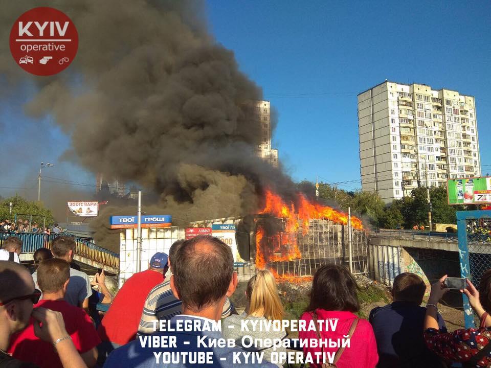 Пожар нарынке наБорщаговке потушен