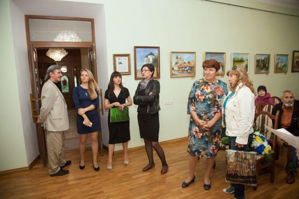 Гості виставки знаходять сюжетні паралелі між Житомиром та європейськими містами / фото zt-rada.gov.ua