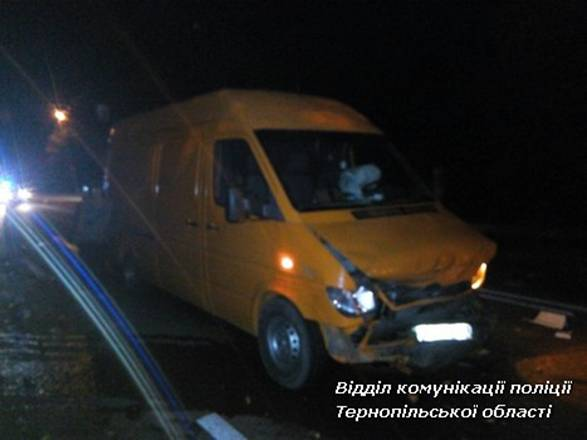ВАЗ-2108 врізався Mercedes Sprinter / фото поліція Тернопільської області