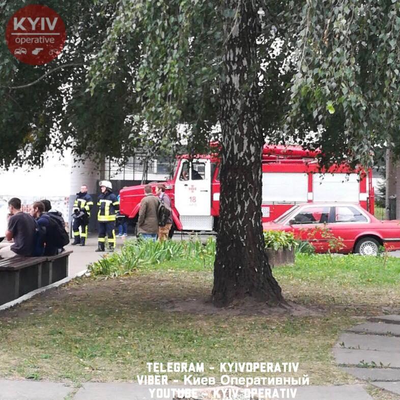 Студенти повідомляли, що в сумці знаходяться гранати / Київ Оперативний