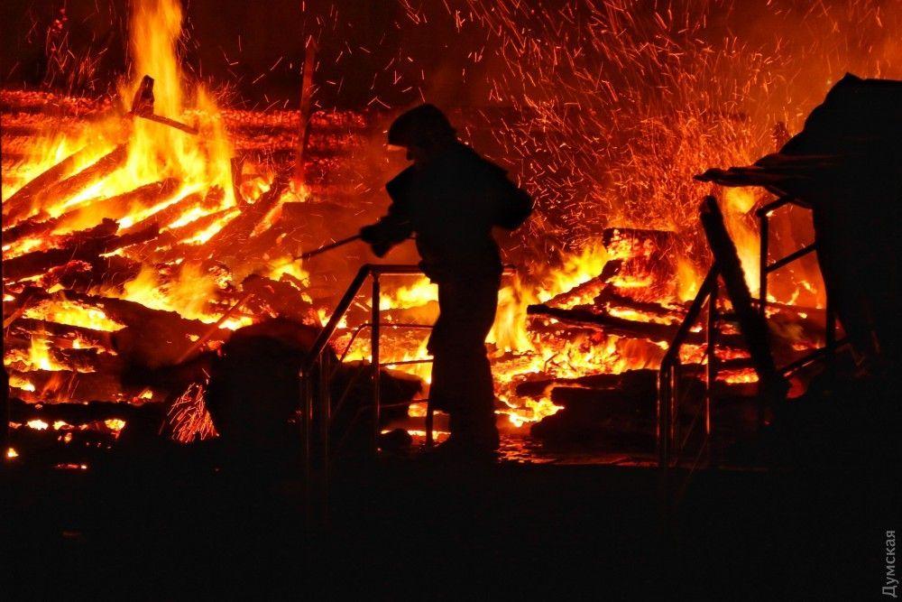 В результаті пожежі загинули троє дівчаток / фото УНІАН