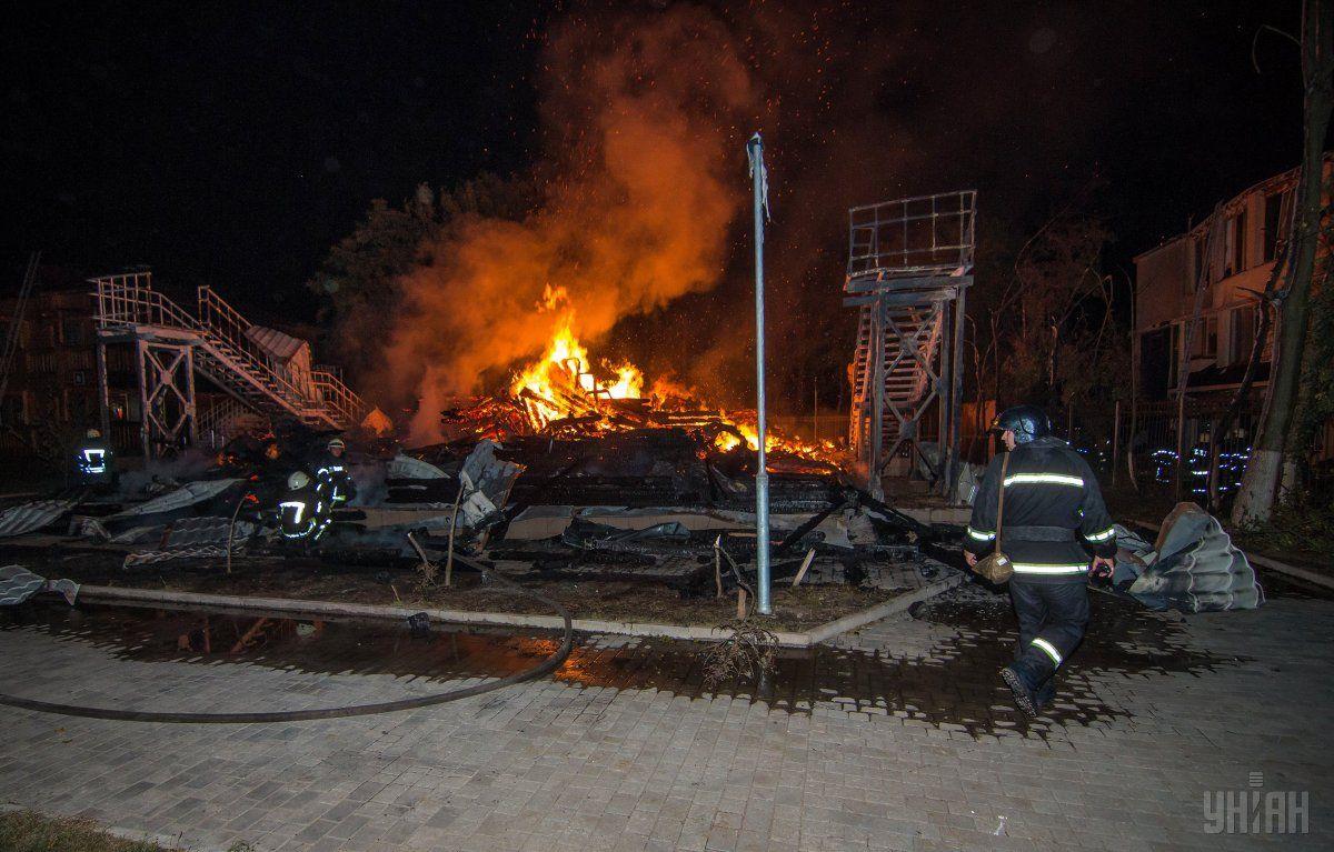 Ближайший пожарный водоем на момент пожара был заполнен только на одну треть / фото УНІАН