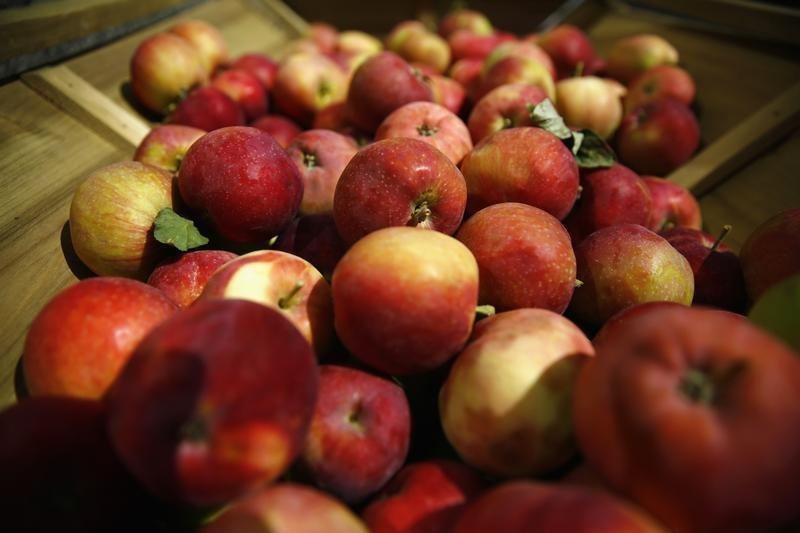 У другій половині лютого ціни на яблука в залежності від сорту досягали 21 грн/кг за оптовими цінами / Ілюстрація REUTERS