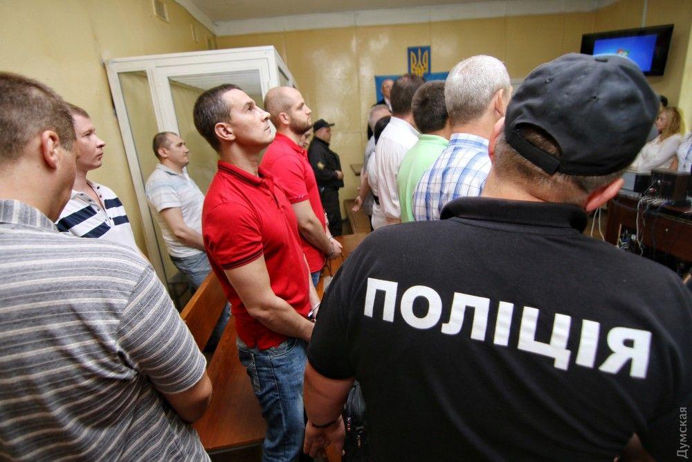 Чоловікам ще в суді Чорноморська повідомили про підозру в сепаратизмі / фото dumskaya.net