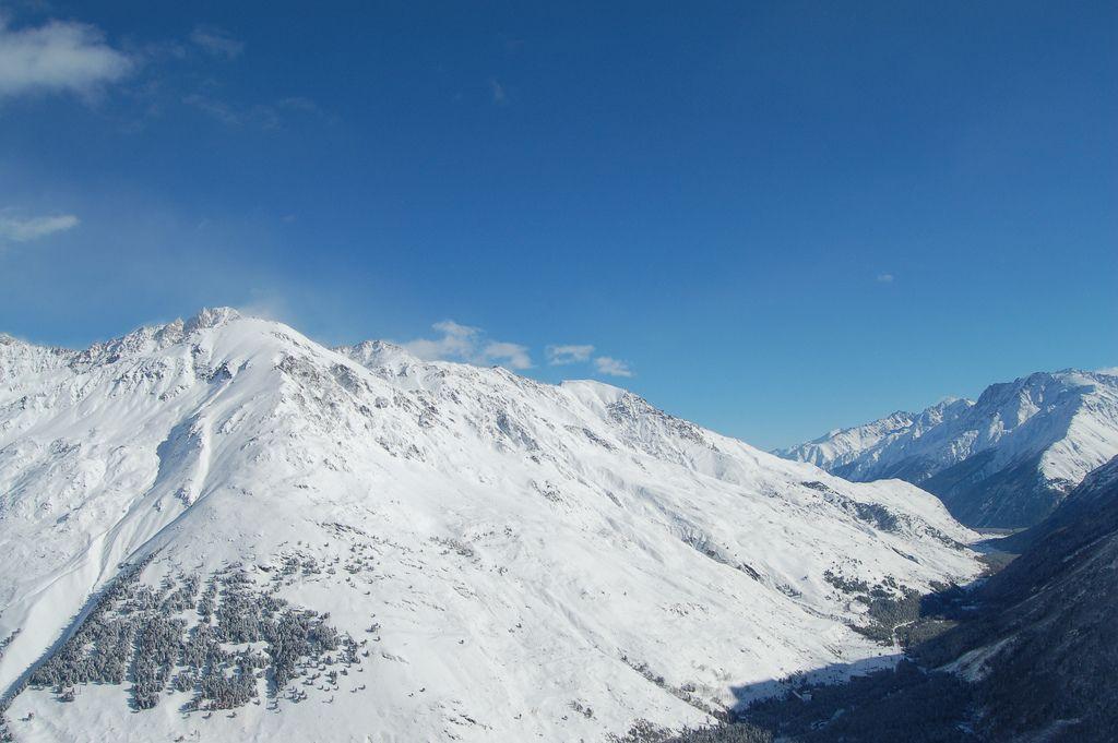 Тіла були виявлені на висоті 5500 і 5300 метрів / Фото Alexey Ledenev via flickr.com