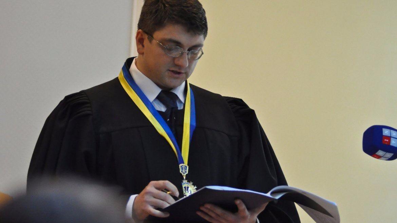 Суд постановил задержать скандального судью / Фото: vesti-ukr.com / С. Харченко