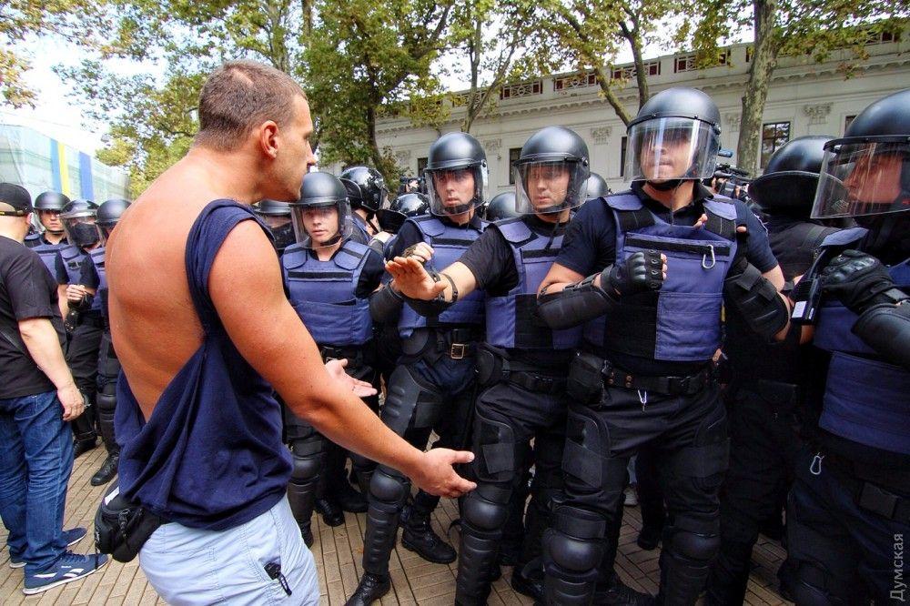 По мнению мэра Одессы, акция протеста является спланированной / фото Думская