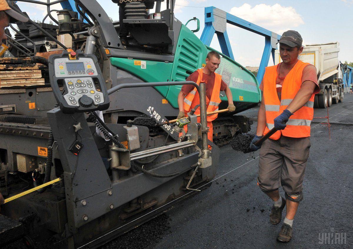 В правительстве планируют обновить 4 000 километров украинских дорог / фото УНИАН