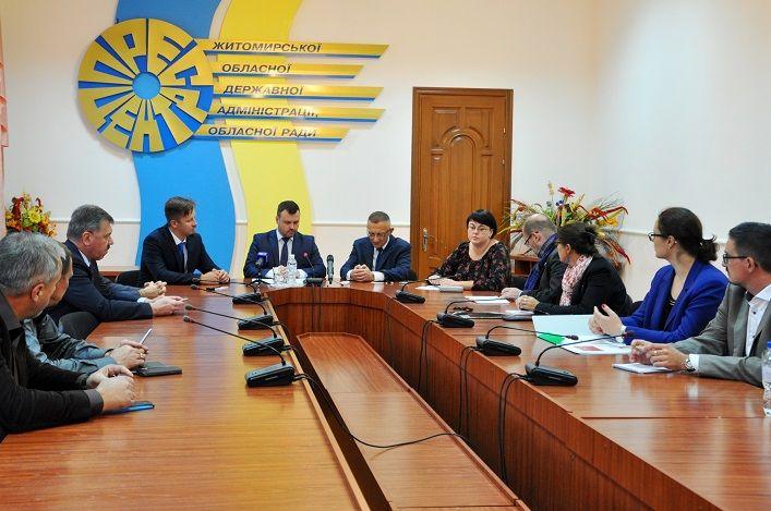Польский советник: Мы планируем организовать поездки депутатов разных уровней из Украины в Польшу / Фото oda.zt.gov.ua
