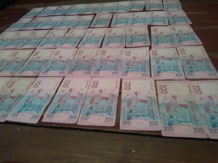 Чиновник взял с одного из предпринимателей взятку в 18 тысяч гривен / фото ssu.gov.ua