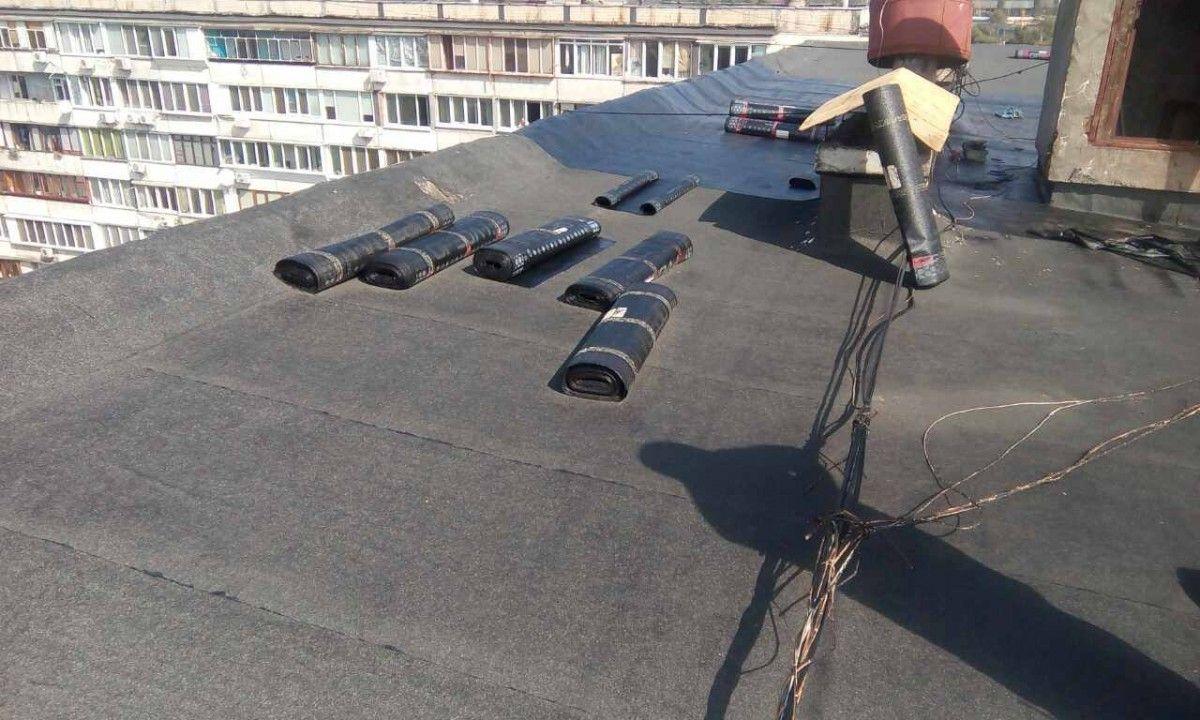Внаслідок вибуху було травмовано 2 робітників / фото facebook.com/DSNSKyiv