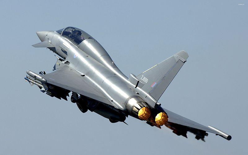 Британські винищувачі були підняті в небо по тривозі / фото oruzhie.info