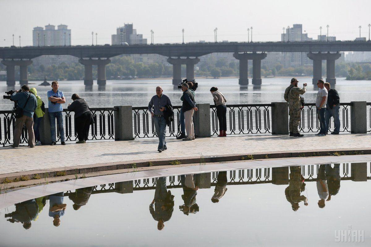До Києва по Дніпру прибуде дизпаливо з Білорусі / фото УНІАН