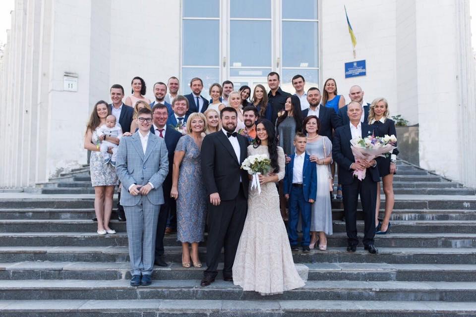 Свадьба сына Юрия Луценко / фото facebook.com/LarysaSargan