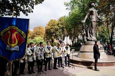 у Тернополі – найбільший і найкрасивіший пам'ятник Крушельницькій / фото прес-служба ТОДА