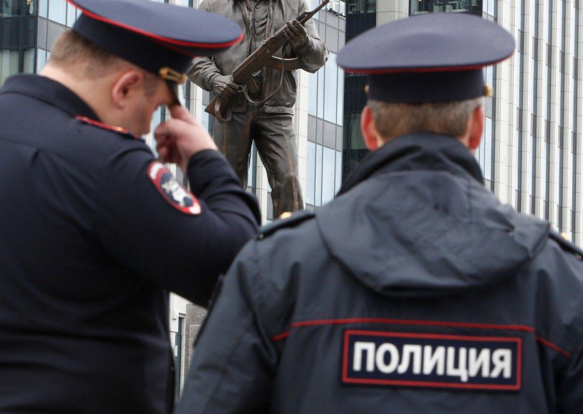 ВТомске двое полицейских организовали сбыт наркотика через подставное лицо