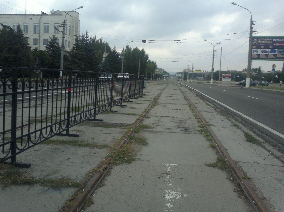 Тряпкой ЛНР украсили туалет. Воккупированном Должанске подняли флаг Украины, размещены фото
