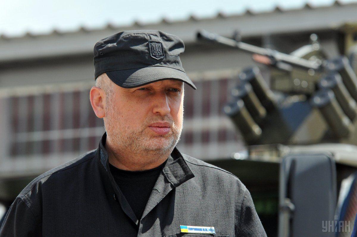 По словам Турчинова, Россия не снимает с повестки дня именно агрессивную военную форму давления на Украину / фото УНИАН