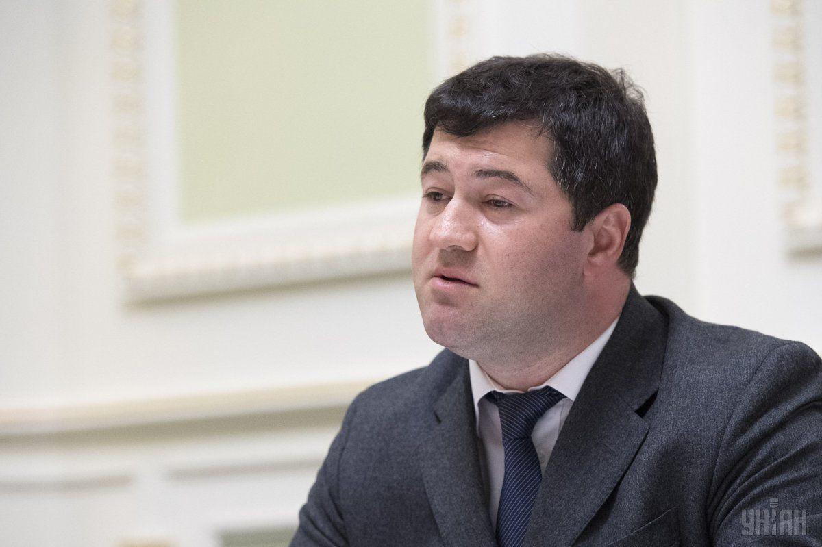 Насиров сегодня пришел в свой бывший кабинет /фото УНИАН