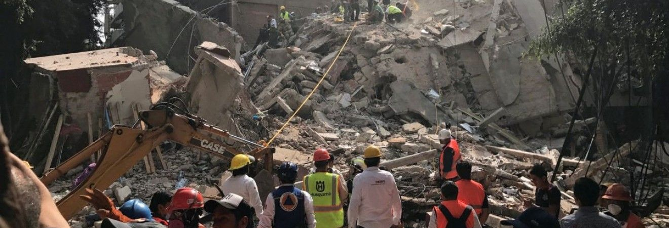 Как минимум 134 человека погибли в результате разрушительного землетрясения в Мексике (фото, видео)
