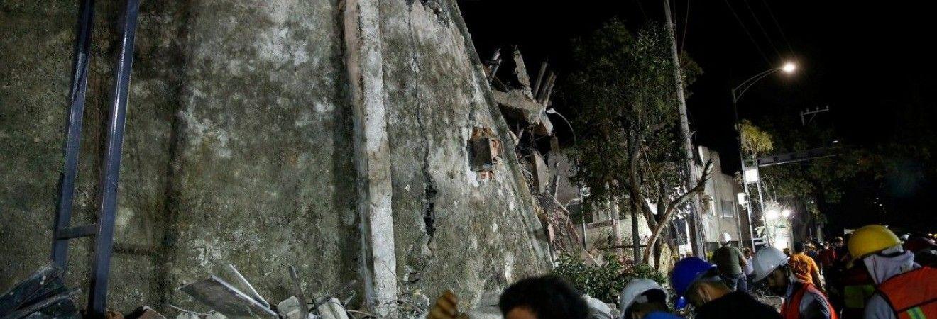 Число жертв разрушительного землетрясения в Мексике возросло до 286 человек