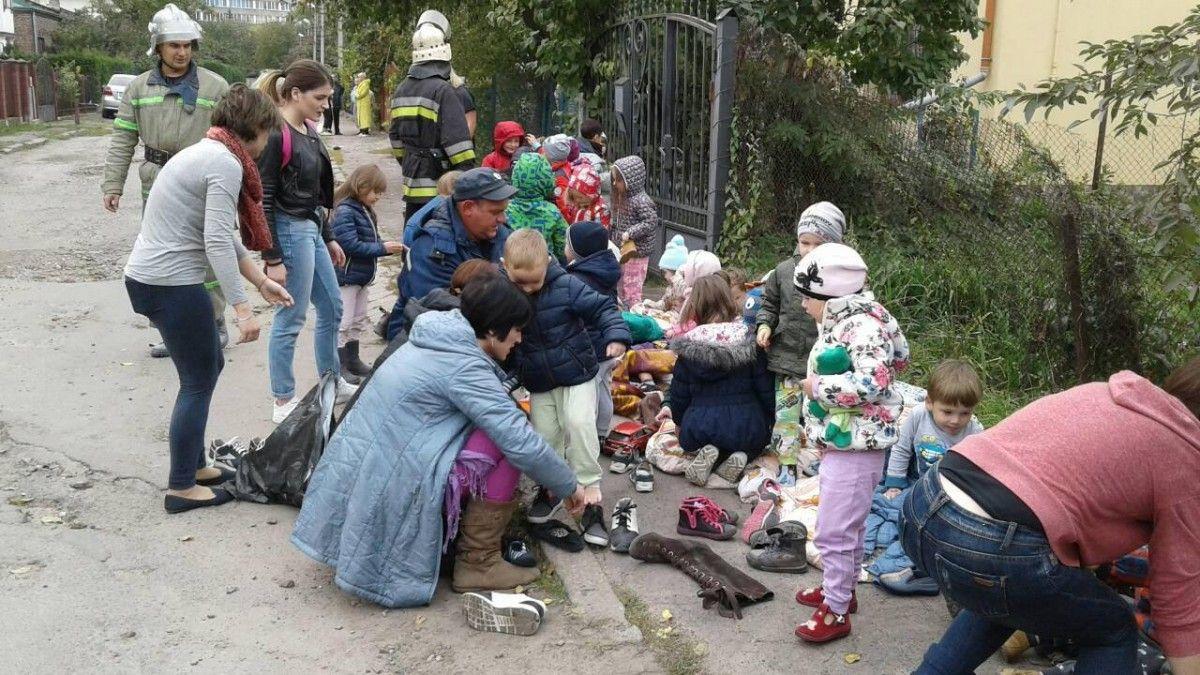 ВоЛьвове детей эвакуировали изгорящего детского сада