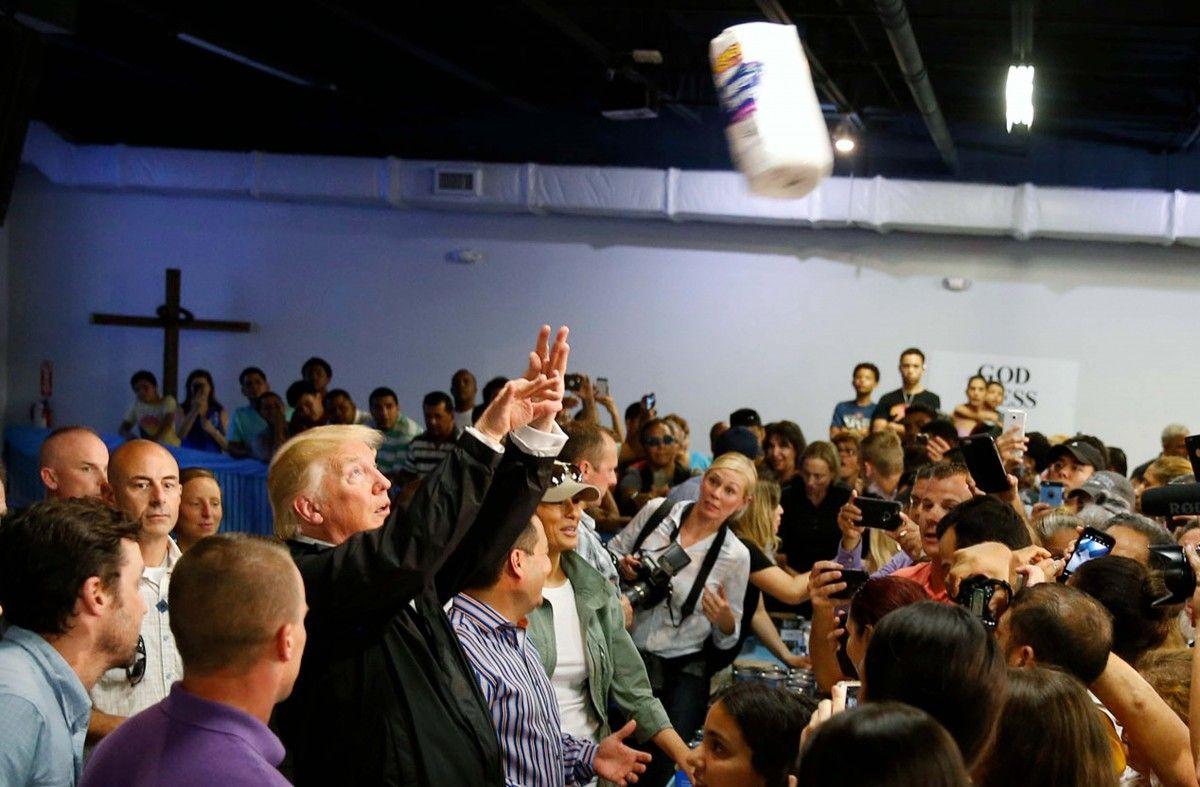 Дональд Трамп в Пуэрто-Рико / REUTERS