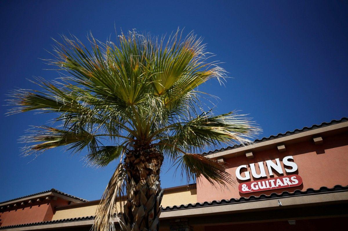 Оружейный магазин в Меските, Невада / REUTERS