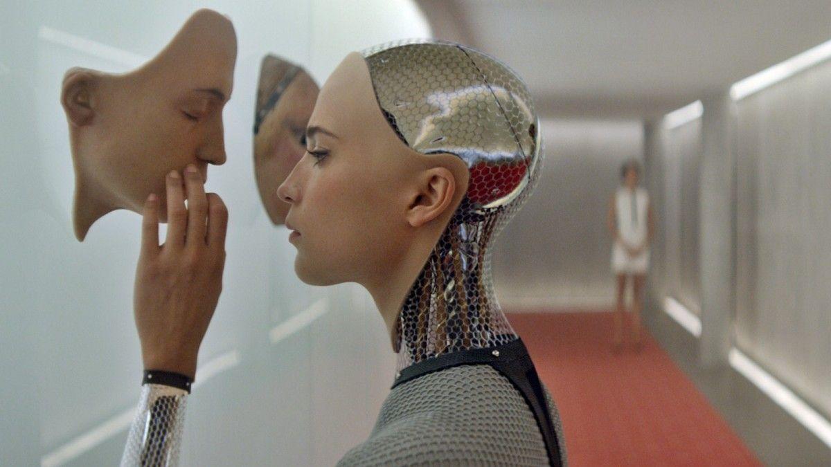 По канонам новой религии, божественная сущность основана на искусственном интеллекте / Кадр из фильма Ex Machina
