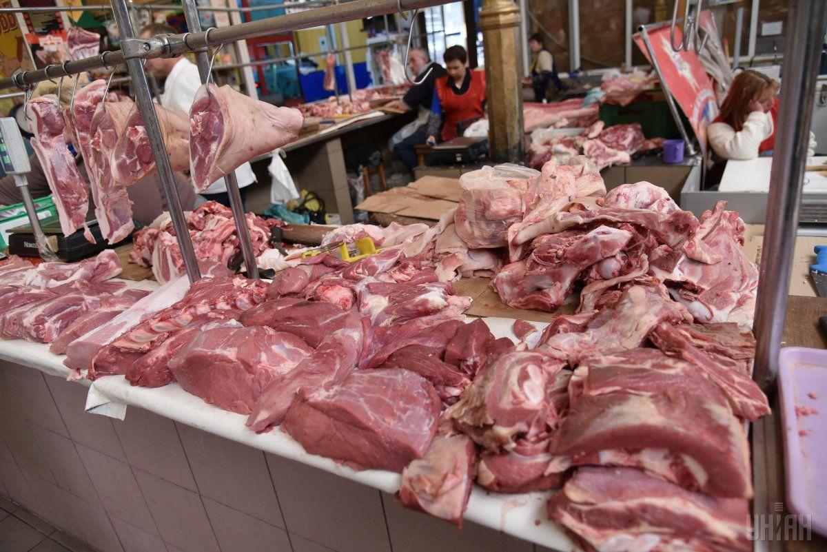 У липні м'ясо і м'ясні продукти подорожчали на 12% / фото УНІАН