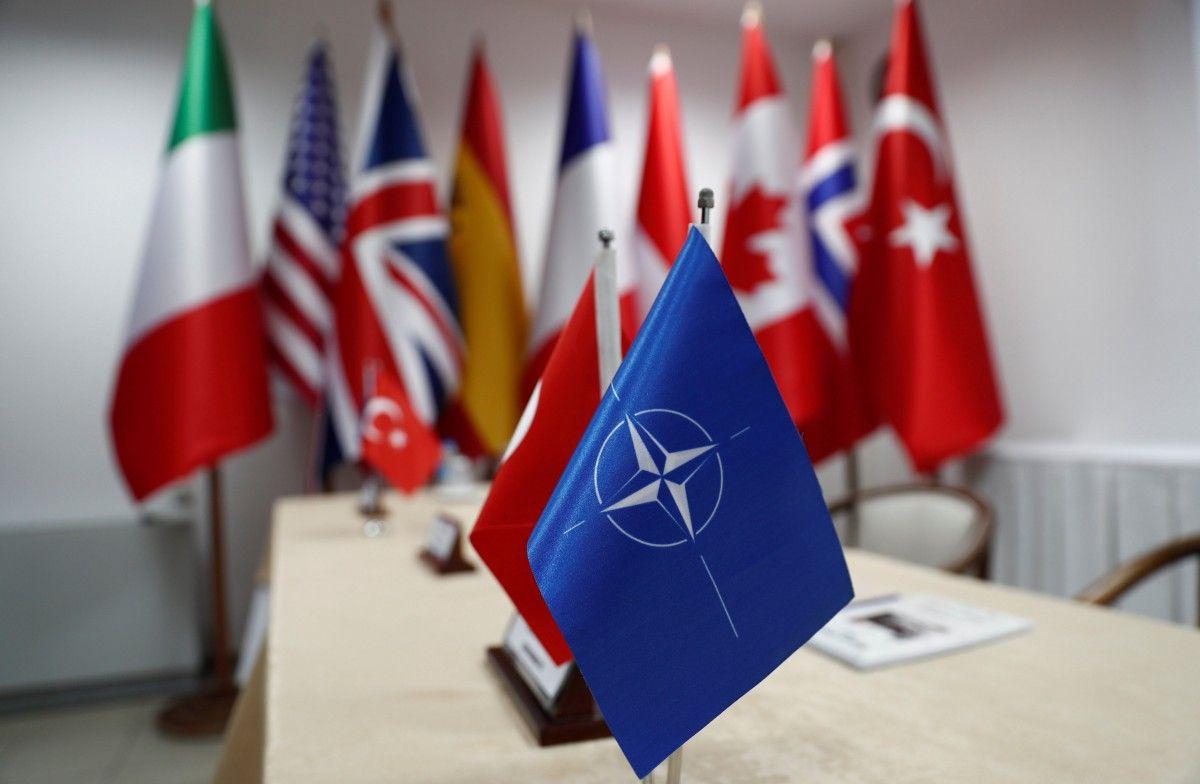 Росія не хоче воювати з НАТО, вважає генерал-лейтенант / Ілюстрація REUTERS