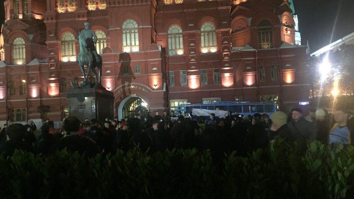 Активисты планируют оставаться на ночь / фото twitter.com/nedimon_msk
