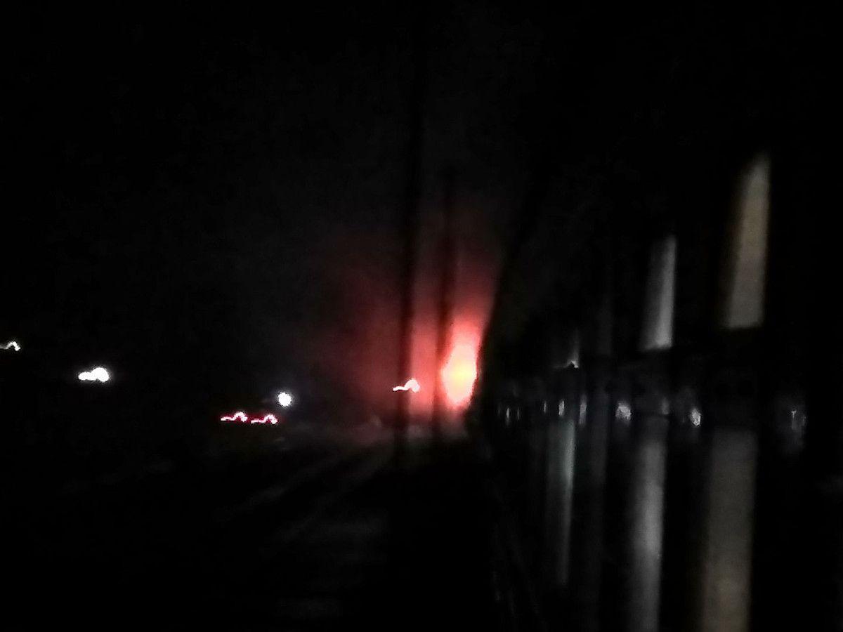 Локомотив загорівся під час руху / фото news.pn