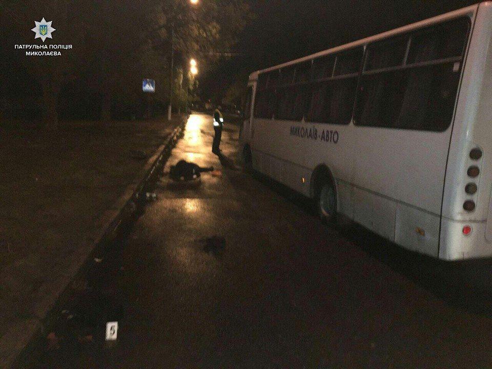 ВНиколаеве автобус сбил насмерть 2-х пешеходов