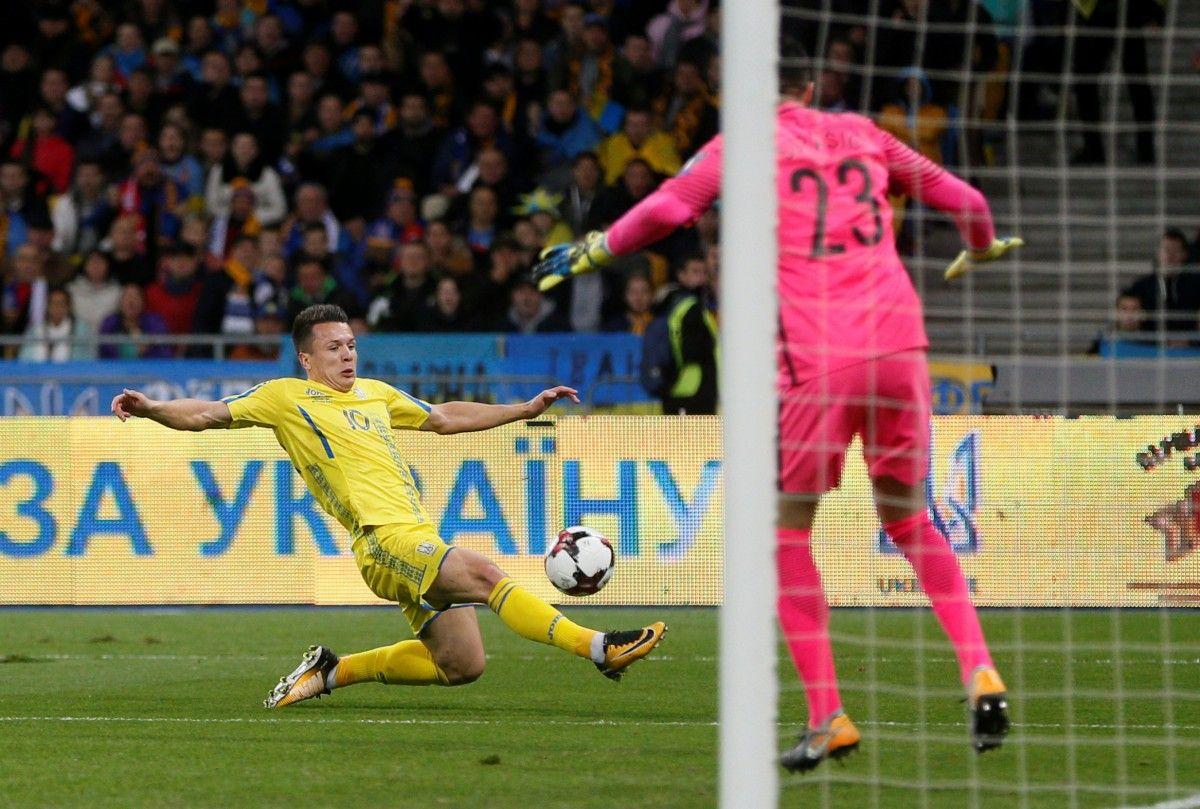 """Коноплянка пошутил перед матчем с Чехией и это оказалось """"на фарт"""" / Reuters"""