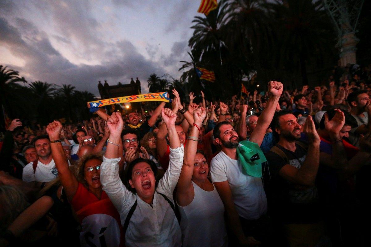 Пучдемон закликав парламент припинити проголошення незалежності Каталонії
