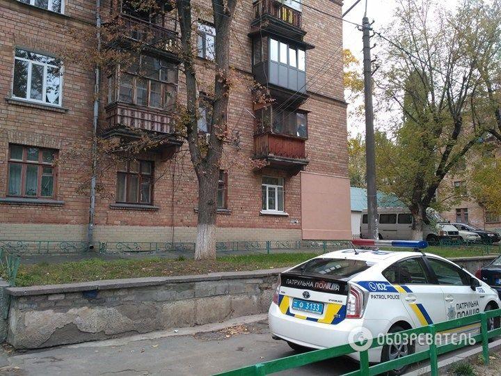 Из этого дома, предположительно, велась стрельба / фото Обозреватель, Владимир Мойсеенко